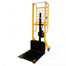Sollevatore a pompa idraulica,portata Kg.200 con piastra